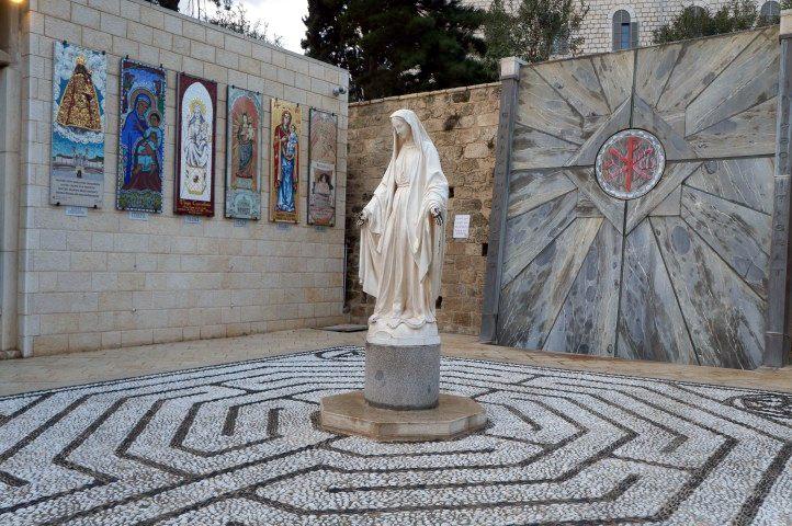 A Basílica da Anunciação   está localizada em Nazaré, Israel. Imagem: Google Imagens